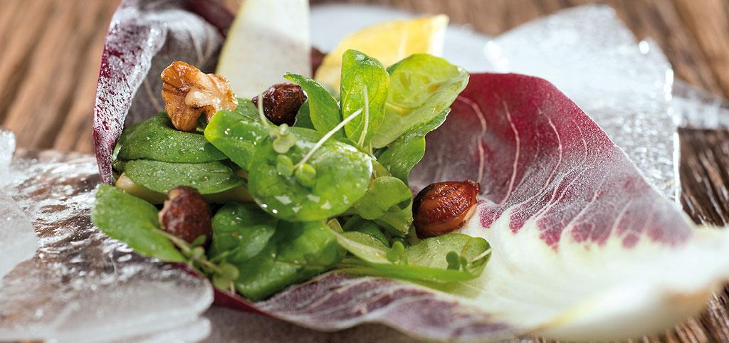 https://www.bioladen.de/fileadmin/bioladen_media/kochbuch/salat-mit-kaffeevinaigrette.jpg