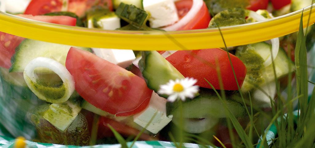https://www.bioladen.de/fileadmin/bioladen_media/kochbuch/salat_sommersalat.jpg